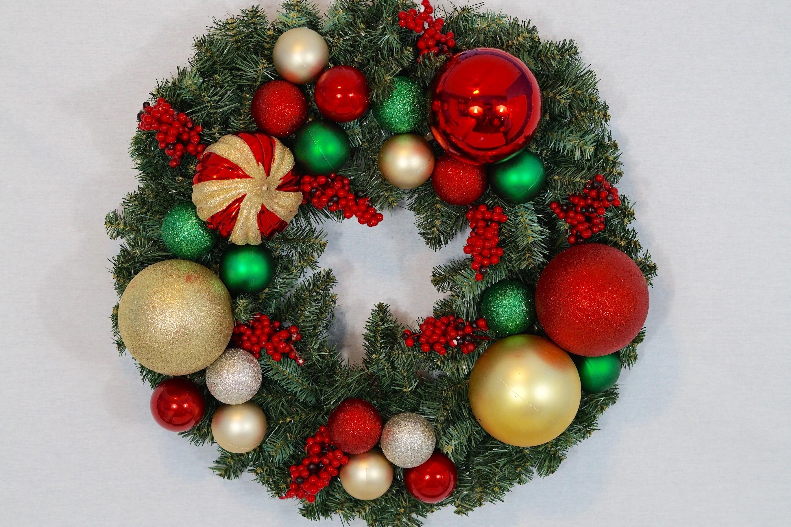 Easy Front Door Diy Christmas Wreath For Under 17
