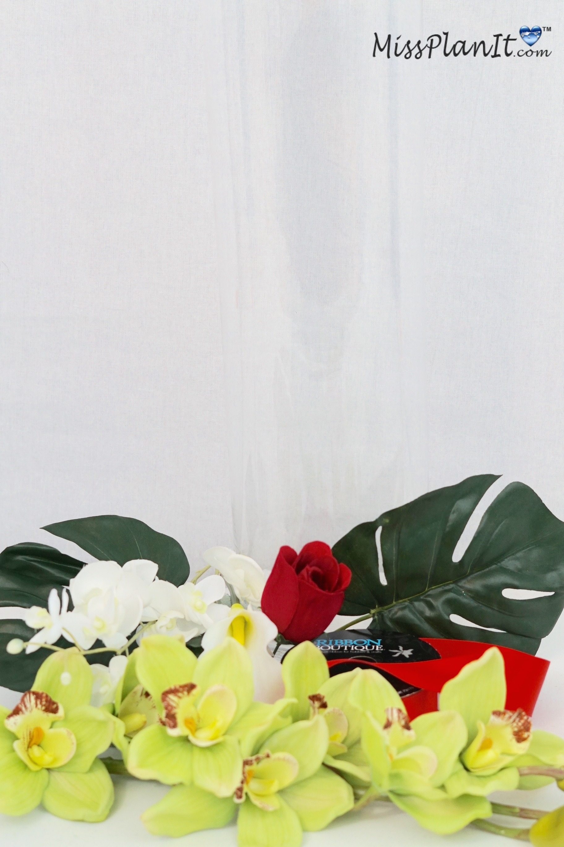 DIY Tropical Paradise Wedding Centerpiece