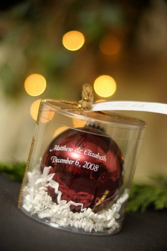 10 christmas wedding ideas you must have for your winter wedding christmas wedding ideas junglespirit Image collections